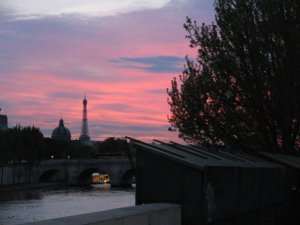uno dei primi tramonti parigini  nel 2009