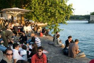 Paris plage, quai des célestins.